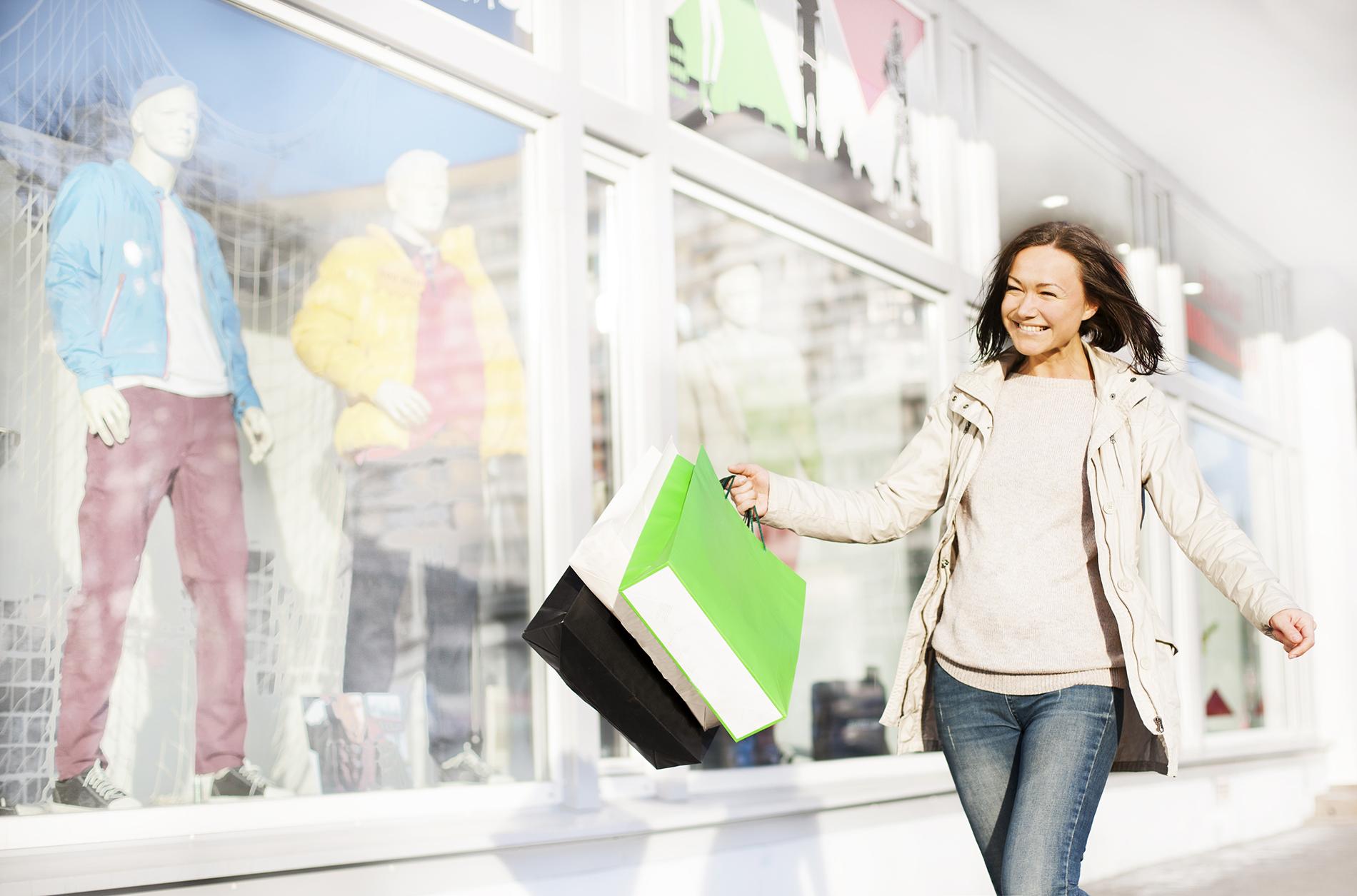 millennial consumer shopping