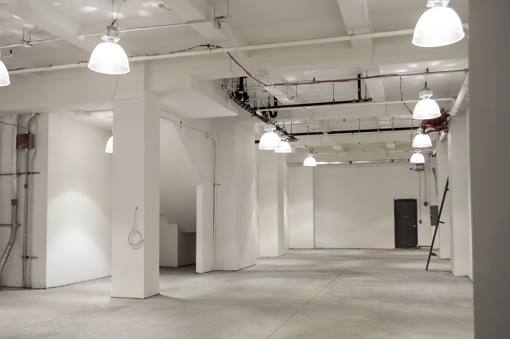 vacant retail space ready for pop-up store